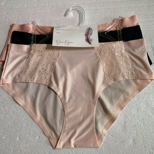 Jessica Simpson Lacey Hipster Panties M